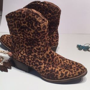 Matisse Coconuts New Pistol Boots CheetahTextile10
